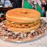 【mį】ラッキーピエロの「100人前 巨大イカポッポ焼バーガーに挑戦」に行って来ました